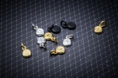Material: Eisen / Silber / Gold.