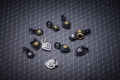 Material: Eisen / Silber / Gold / grüner Granat / Rubin / Diamant / Zuchtperlen.