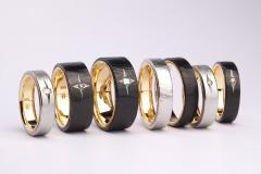Material: Stahl blank und geschwärzt / Gold / Diamant.