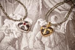 Material: Eisen / Silber / Gold / Mandarin-Granat / Diamantrosen.