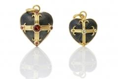 Material: Eisen / Silber / Gold / Diamant / Granat.